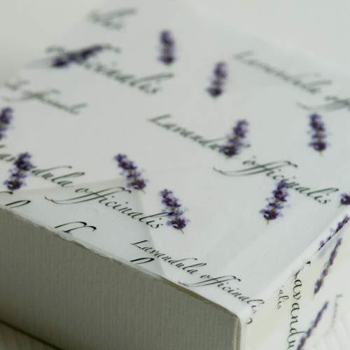 Faltkarton mit Schmuckpapier »Lavendel« von Olionatura®
