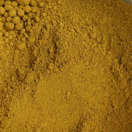 Eisenoxid Ocker (CI 77492), auch: Pigment Yellow 42