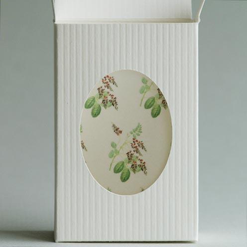 Seifenkarton (Plottervorlage von Olionatura®) mit Schmuckpapier »Indigo«