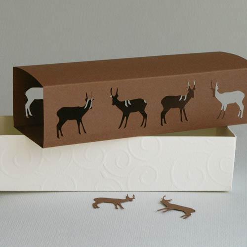 2-teiliger Produktkarton mit Schuber, Motiv »Hirsche«