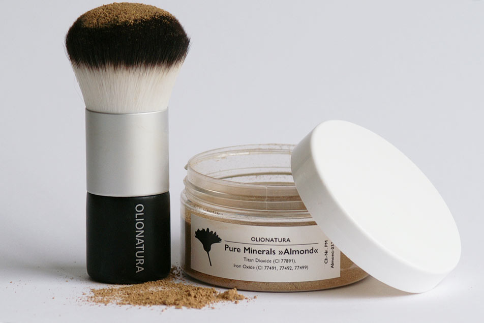 Olionatura®-Kabuki und Olionatura® Pure Minerals