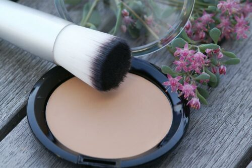 Meine Satin Compact Foundation in der Make-Up-Compact-Dose, 56 mm