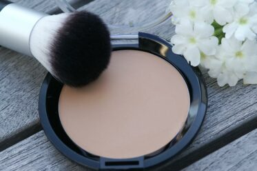 Satin Compact Foundation, ein Cream-to-Powder-Produkt