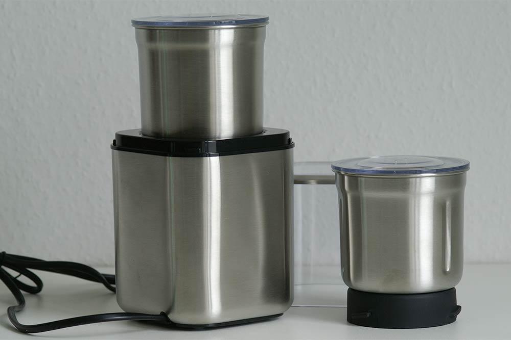 Kaffeemühle zum Pigmentmischen aus Edelstahl